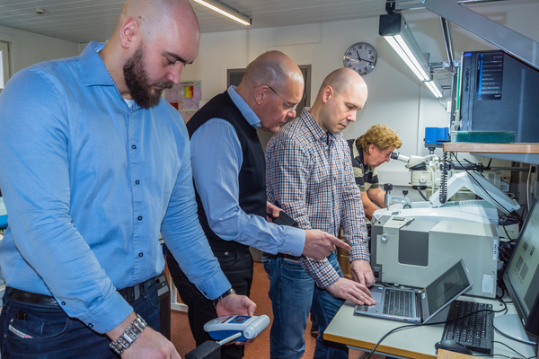 <p>The experienced team behind EcoCooling is partly the same that developed the front-lit technology used in Amazon Kindle-devices. From left to right: Juha Hatjasalo, Leo Hatjasalo, Jori Oravasaari and Jarmo Maattanen</p>